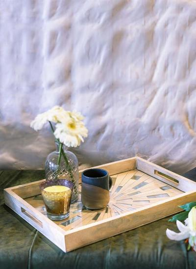 Beautiful Wooden Trays to Decorate your Serving