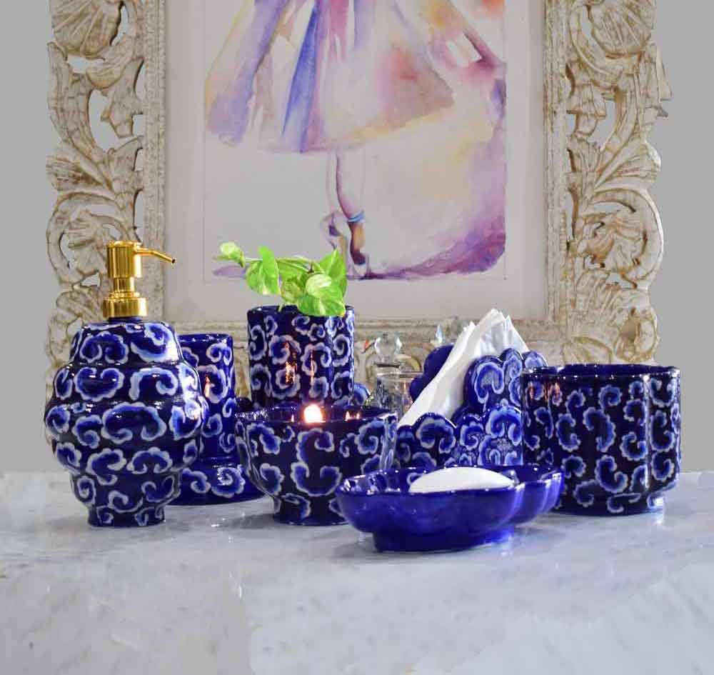 Malhaar Cloud Cutting Indigo Blue Bath Set